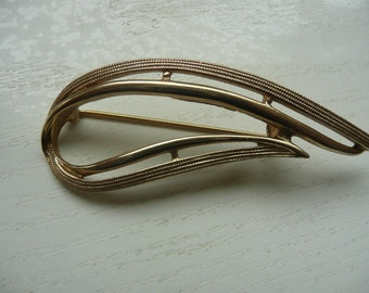 Vintage Sarah Coventry jewelry brooch