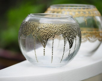 Round Vases Centerpieces with Henna Style Accents