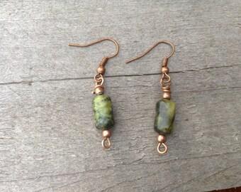 Agate Green/black beaded earrings.