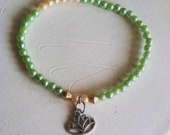 Green lotus bracelet