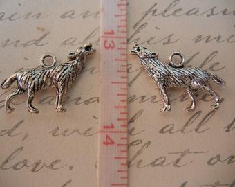 Tibetan Silver Howling Wolf Charm Pendant Supplies - QTY 4 -