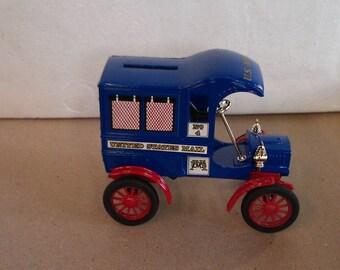 Ertl 1905 U.S. Mail Truck Bank