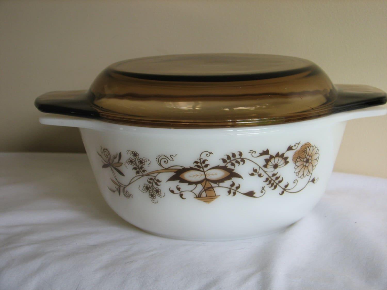pyrex vine casserole dish with lid. Black Bedroom Furniture Sets. Home Design Ideas