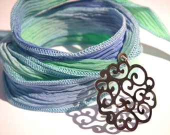 Silk Ribbon Bracelet lavender and green