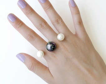 Pearl Ring, Gold Finger Ring, Gold Ring, Knuckle Ring, Statement Ring, Double Ring, Black Pearl, Gifts For Her, White Pearl, Faux Pearl Ring