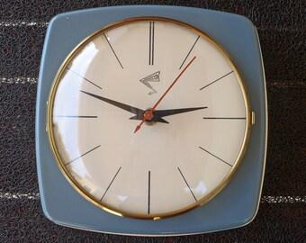"Very nice  "" Adelco electrique "" vintage all metal kitchen clock"
