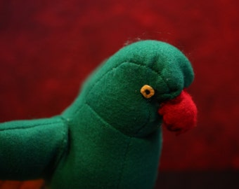 the green parrot plushie Yellow Tip