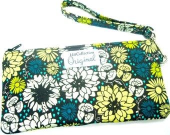 Navy Blue Flowers Wristlet Wallet,  Navy Blue Wallet Wristlet, Navy Wallet, Fabric Wristlet, Zipper Wallet, Fabric Wallet, iPhone Wristlet