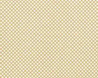 FAT QUARTER Robert Kaufman Remix Diamond Lattice Gold Metallic Quilting Apparel Fabric
