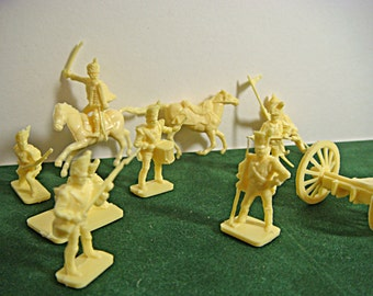 Army Men (25) Revolutionary Was Yellow Plastic Vintage The BRITISH ARE COMING 9969