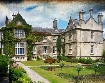 Muckross House, Co. KERRY, Ireland Photography, Rose Garden Photo, Irish Castle, English Garden, Flowers In The Attic, Climbing Ivy Photo