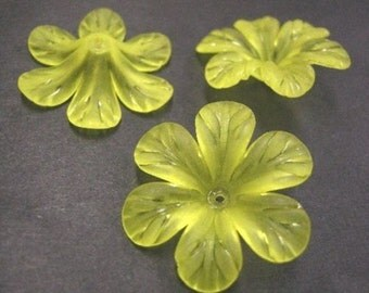 8pc yellow acrylic large flower bead-3753