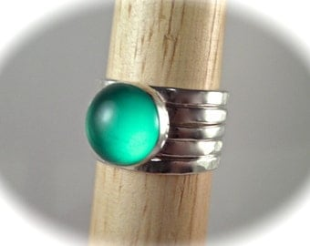 10mm Green Onyx Doublet in Blue Green with 4 Sterling Hammered Bands - Total of 5 STACKING Rings
