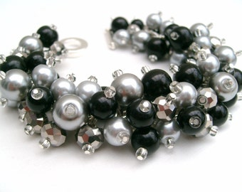 Black Pearl Cluster Bracelet, Bridesmaid Jewelry, Black and Silver Gray Bracelet, Beaded Bracelet, Wedding Jewelry, Bridesmaid Gift, Glamour