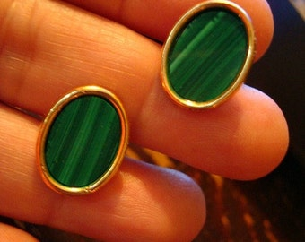 Vintage Gentleman's Malachite and Gold Tone Oval Cuff Links