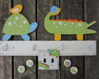 ALLIGATOR & TURTLE Kids Bathroom Towel Rack - Original Hand Crafted Hand Painted Artwork