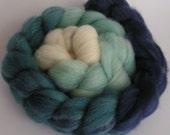 Roving Fiber Top Wool Falkland Gradient OCEAN Ombre  Phatfiber Feature June 4 oz Easy Spin Felt Knit blue