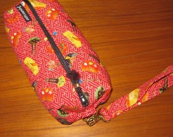 Cosmetic or Art Supplies Zippered Quilted Pouch Japanese Geisha Hair Combs Design with Wrist Strap Red