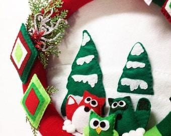 Wreath, Christmas Wreath, Woodland Decoration, Wall Hanging, Door Hanger, Christmastown, Fox, Raccoon, Owl, Christmas Decoration
