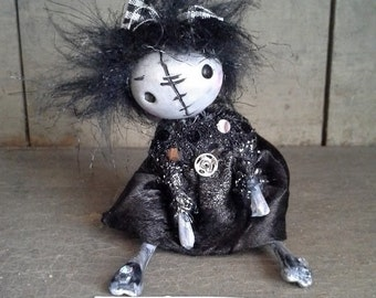 "Goth art doll accessory BJD prop miniature creepy cute ""IDGY"" party favor"