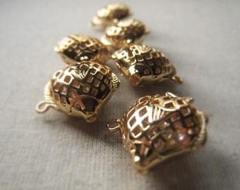 Gold Metal Fish Pendant Item No. 6856