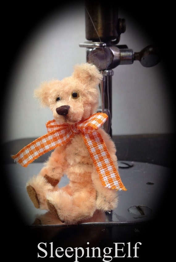tiny pipecleaner bear perfect for your puki by sleepingelf