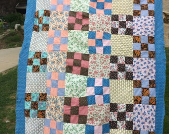 Vintage Hand Pieced Feedsack Fabric Nine Patch Quilt Top with Blue Floral Border