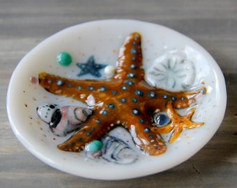 MADE TO ORDER, Little jewelry holder plate, fused glass art. Your choice sea shell, starfish, crab - Tea bag dish, Perfect personalized gift