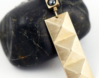 Art Deco Pyramid Necklace,  Geometric Pendant Necklace, Modern Geometric Jewelry
