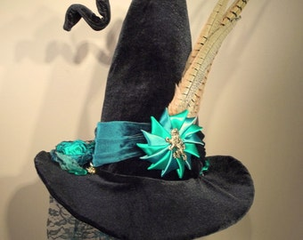 Witch Wizard Hat Made to Order Halloween Costume Accessory Cosplay Millinery Harry Potter Black velvet green Gryffindor Pheasant Cockade