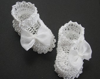 Crochet Baby Booties with Bows Infant Girl Booties Crib Shoes Christening Newborn Shoes Baptism Baby Booties Knit Reborn Doll Crib Shoes