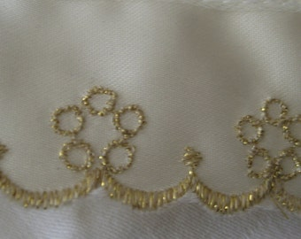 VINTAGE Cream Gold Metallic Flower Embroidered Lace Applique Trim 3 Yards