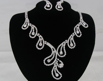 Bridal Set Rhinestone Silver Plated, Bridesmaid Jewelry, Wedding Earrings, Wedding Necklace.