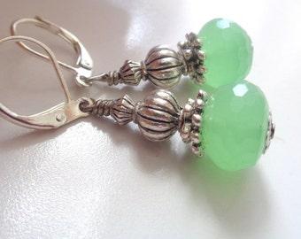 Green Chacedony Earrings, Green Earrings, Dangle Earrings, Gemstone Earrings
