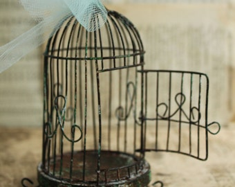 Spring Wedding Birdcage Ornament - Dome Style DIY Weathered Wire Bird Cage - Table Decoration Bird Cage Display