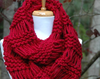 Cranberry Red Knit Infinity Scarf, Circle Scarf, Chunky Scarf, Hand Knit Infinity Scarf, Womens Scarves, Knitted Scarf, Winter Scarf, Wool