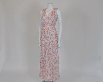 1930's Nightgown / Vintage 30's Bias Cut Novelty Print Flowers Nighty