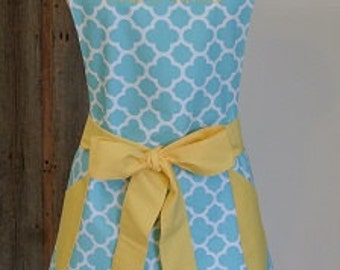 Assorted Color Quatrefoil with Coordinating Ties and Pockets Retro Adult Apron - Personalized Apron - Retro Apron - Bridesmaid Apron - Apron