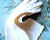 Wedding vintage 50s white cotton hand stitched long , scalloped , opera gloves with cross embroidery and white pearl. Size 8.