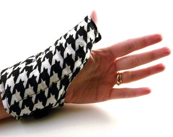 Thumb Wrist Wrap, Hot Cold Therapy, Hand Pad, Heat Comfort Rice Flax Pack, black white houndstooth