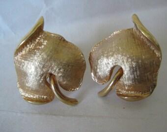 Leaf Gold Earrings Screw Vintage