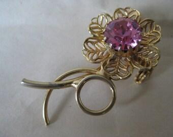 Flower Pink Brooch Rhinestone Filigree Gold Vintage Pin