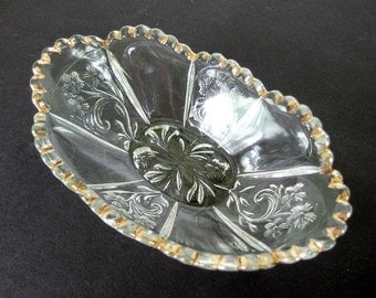 Vintage Oval Pickle Dish - Clear Glass Candy Dish