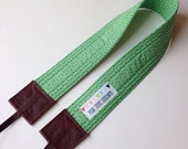 SLR Camera Strap - Cross body with green Lizzy House fabric - Crossbody - Hipster Style
