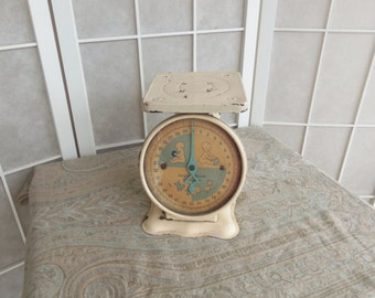 Vintage 1940's Baby Scale