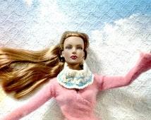SALE 50 off/ Vintage Doll Scarf crochet for 16 inch / Tonner Tyler Wentworth Sydney Gene Ellowyne BJD Art Doll clothes
