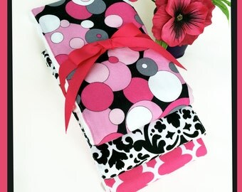 Burping Bubbles Baby Girl Diaper Burp Cloth Gift Set, Hot Pink, Black and White, Baby Shower Gift, Browse Baby Gifts in plmdezigns