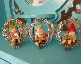 Wonderful Lot of Vintage Christmas Wire Mesh Putz Elves