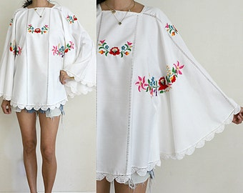 Vtg Upcycled Beautiful White Cotton Floral Embroidered Crochet Ethnic Caftan Top S/M