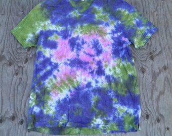 Into the Mind Scrunch Tie Dye V-neck T-Shirt (Bella Canvas Size 2XL) (One of a Kind)